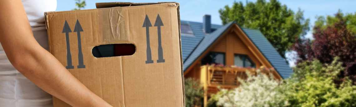 Relocation Across the Nation: 10 Long Distance Moving Tips